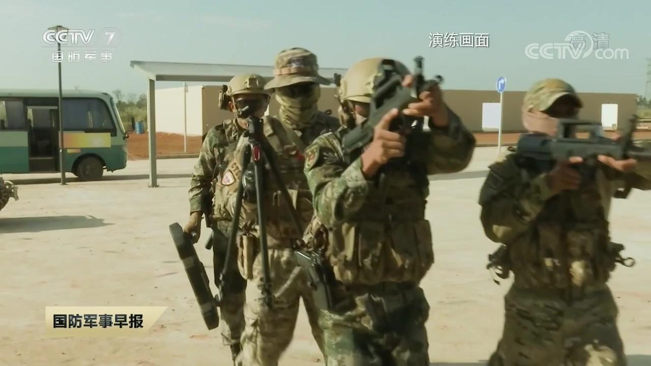 反恐演习中方展示先进无人车俄官兵连声称赞