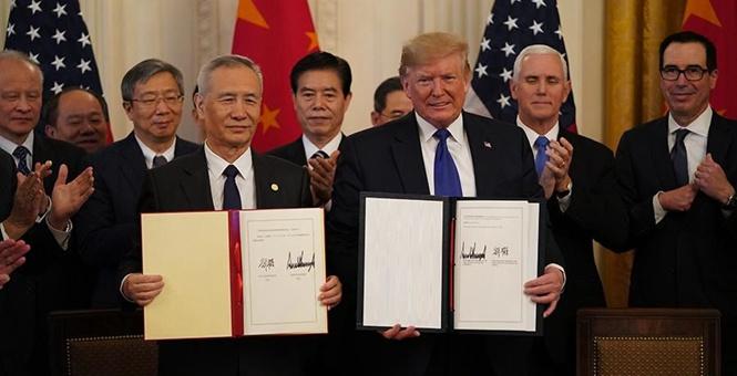 中美第一阶段经贸协议签署仪式在华盛顿举行