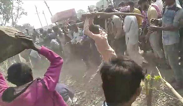 印度六人被造谣绑架儿童遭村民暴打致一人死亡五人重伤