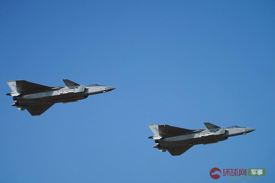 """空军开放日正式开幕 主力战机成体系为空军""""庆生"""""""