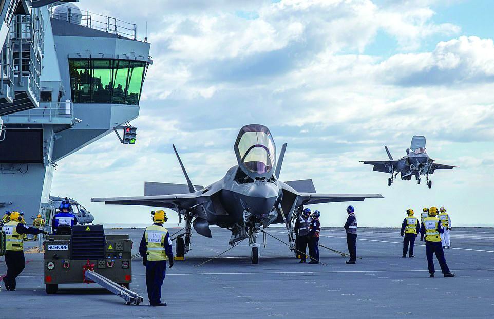 """消息:英军F-35B首次与自家航母""""合体"""" 完成关键一步"""