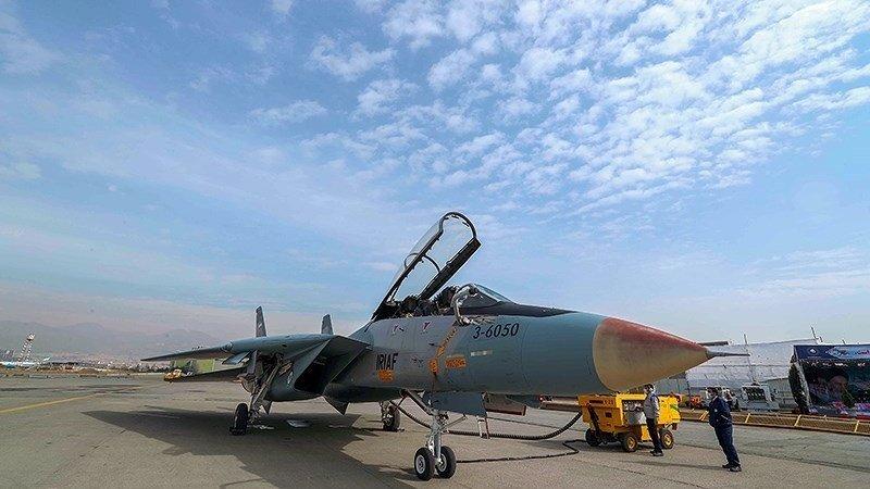 伊朗展示多架大修完工战斗机古董级F-14再度亮相