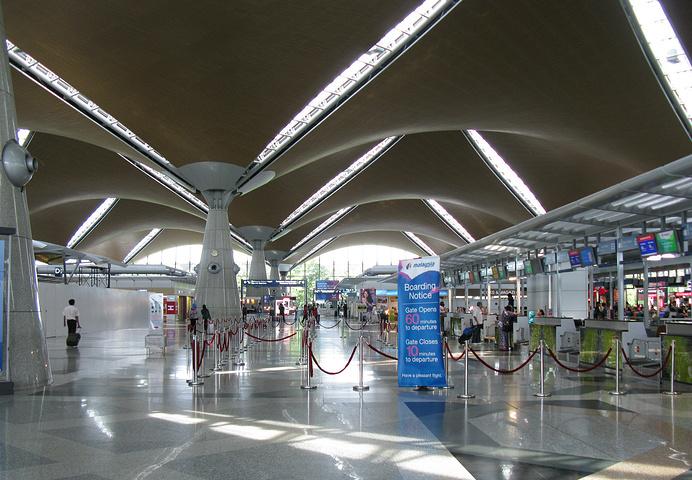 allbet电脑版下载:马来西亚机场控股公司:航空旅行7月上旬苏醒显著 平均逐日飞机起降量增至550架 第2张