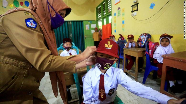 dafa888:联合国:天下百余国未定开学日期 教育界面临