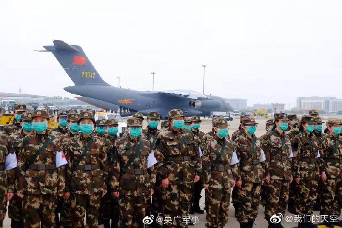 """6架""""胖妞""""飞抵武汉!网友:看到中国空军瞬间泪目"""