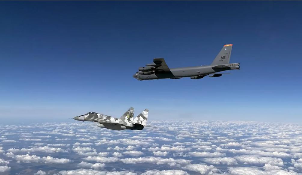 美军轰炸机本月第2次现身乌克兰上空乌军派俄制战机护送