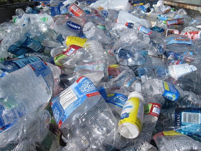 纽约市市长签署行政命令进一步禁止一次性塑料瓶 会产生更广泛的影响