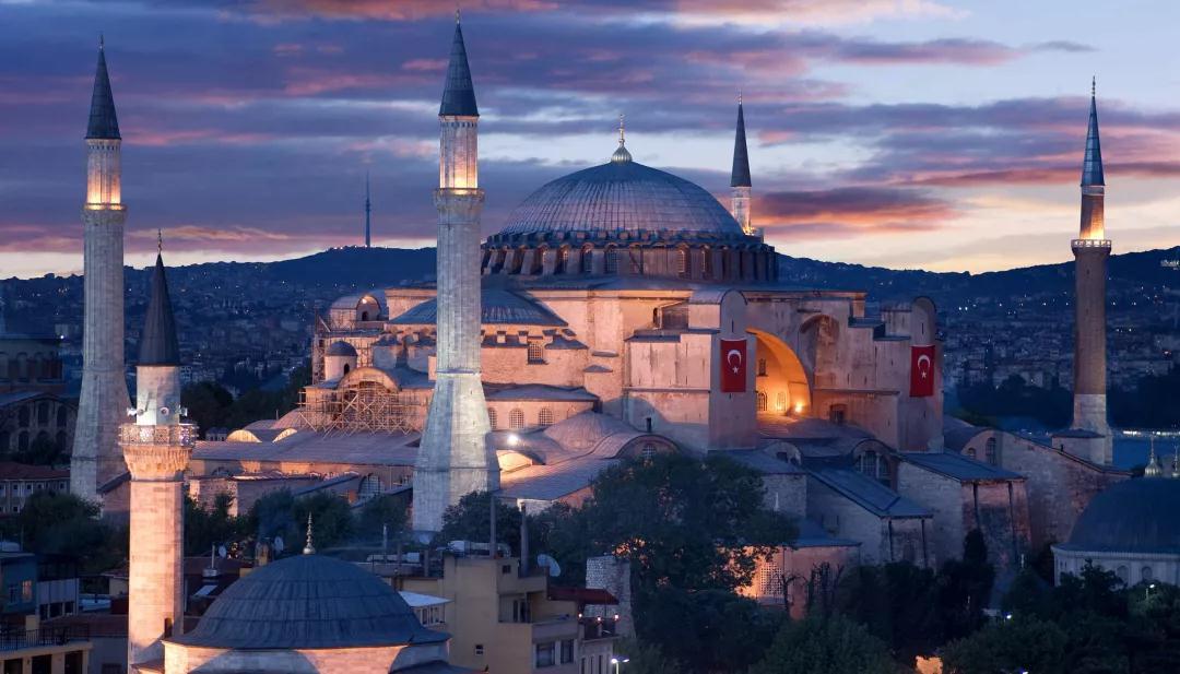 欧博亚洲客户端下载:圣索菲亚大教堂改为清真寺招致外界指斥,埃尔多安:不是基于说三道四的人的意见做的决议 第3张
