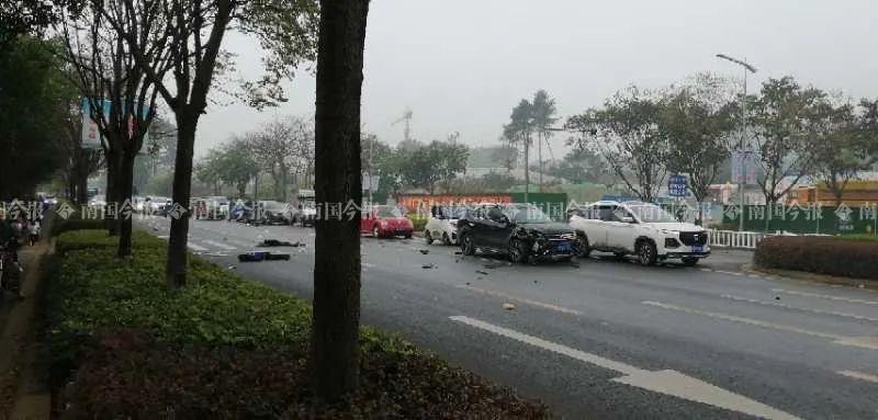 突发!刚刚,柳州桂柳路发生惨烈车祸,两人当场不幸身亡