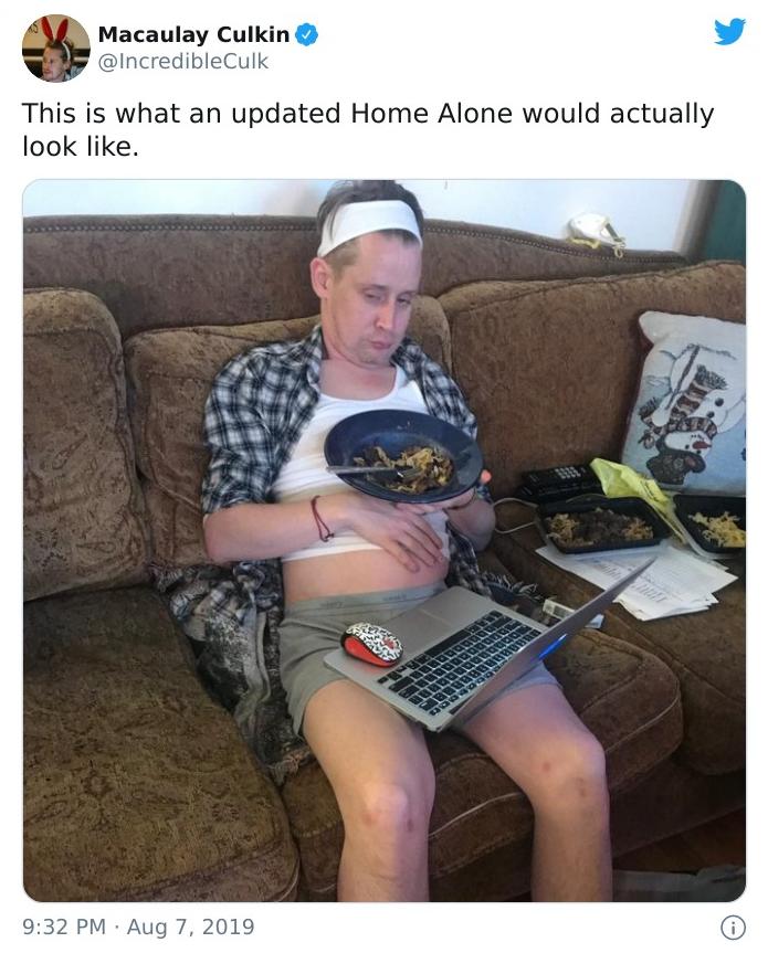 《小鬼当家》中的小鬼扮演者麦考利·卡尔金引推特网友热议,只因发了张照片 第24张