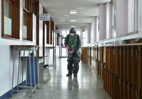usdt钱包(caibao.it):直击韩国最难高考 发烧考生、确诊考生这样考 第2张