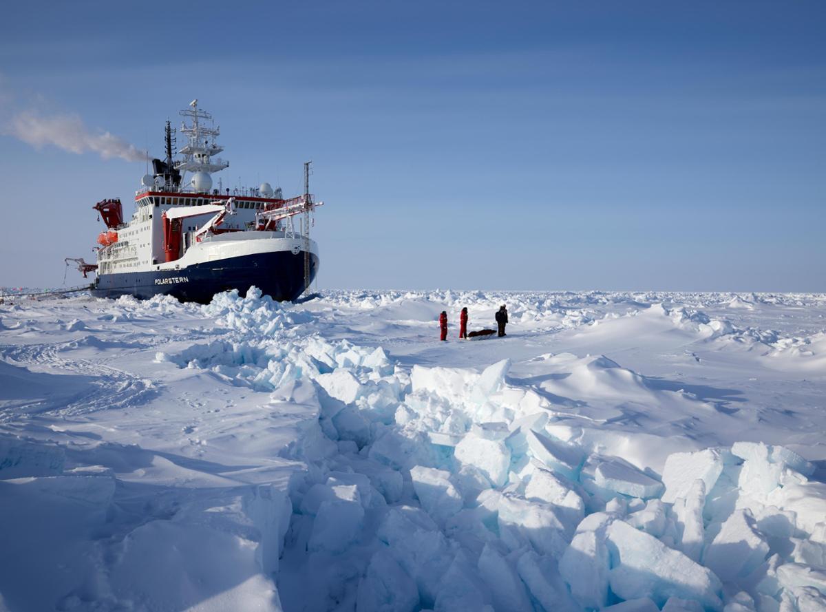 世界最大北极科考团:北冰洋的海冰正在加速消失
