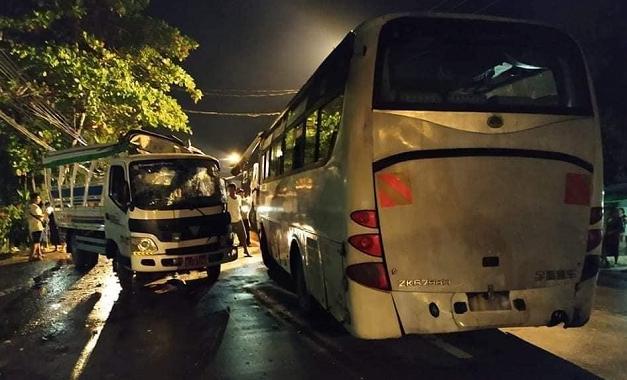 allbet gaming电脑版下载:缅甸仰光两车相撞 已致5人殒命 35人受伤 第2张