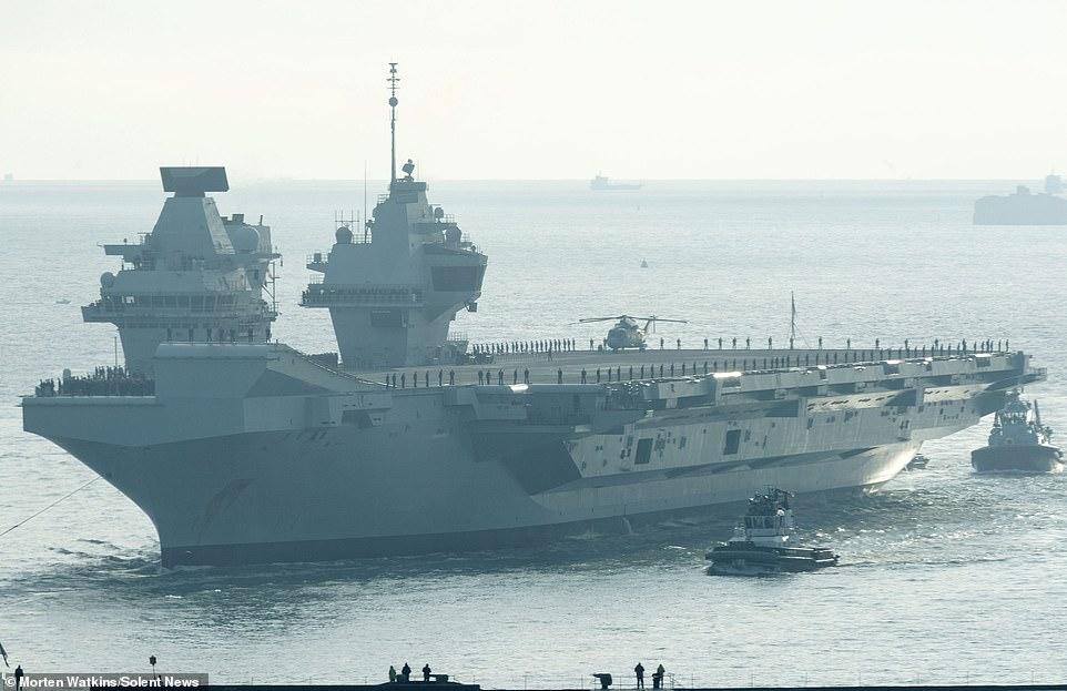 双航母时代将来临!英海军两航母首次在母港汇合