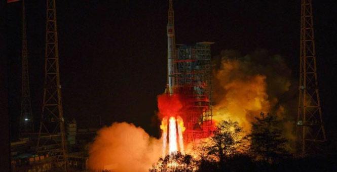 我国成功发射通信技术试验卫星五号