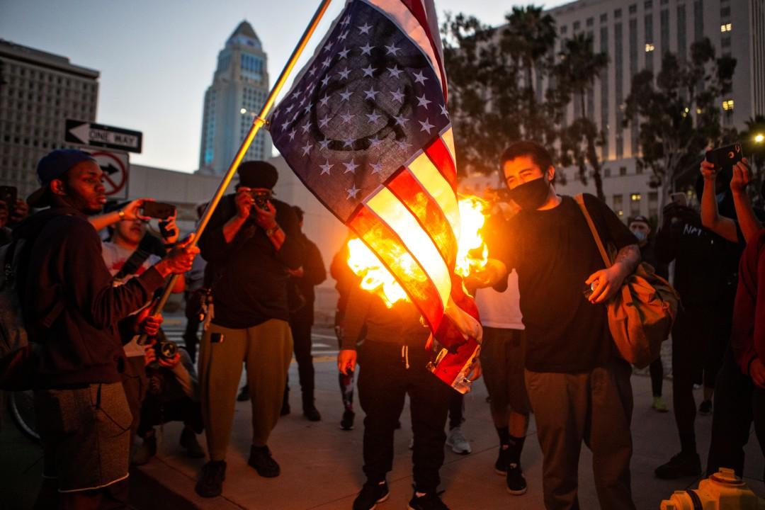 美国非洲裔男子被暴力执法遇害引爆骚乱 美媒:奴隶制遗毒仍在制造恶果