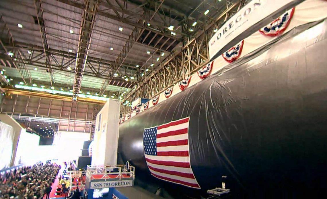 美军最新弗吉尼亚级核潜艇举行命名仪式 定名为俄勒冈号