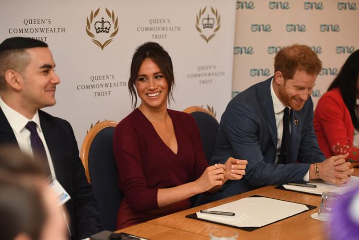 皇冠足球app:哈里梅根配偶与网飞签署制作协议,美媒:两人或在节目中出镜 第1张