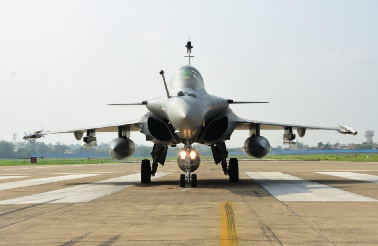 印度5架阵风战斗机正式入列 印媒:印度空军超越中巴空军
