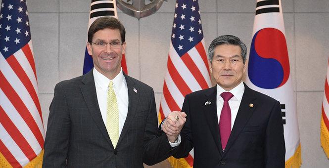 """美防长再就驻军费谈判对韩施压:韩国是个""""富国"""""""