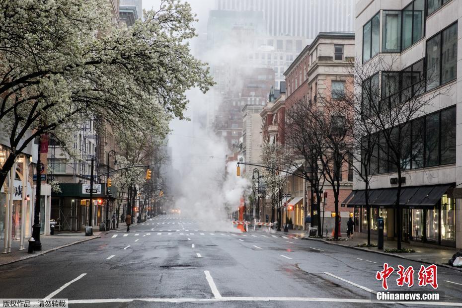 疫情之下的纽约 周末的都市街头静悄悄