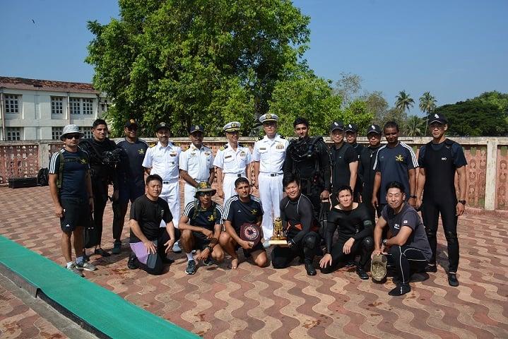 日本和印度举行联合海上扫雷训练