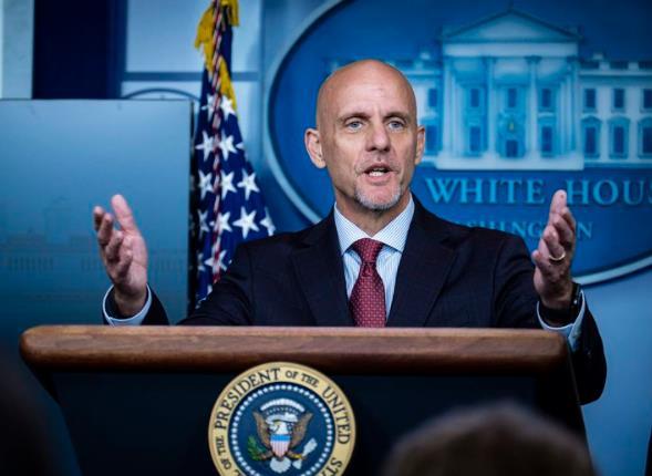 美国食药局解雇白宫钦定的发言人:上任仅11天,无医学背景