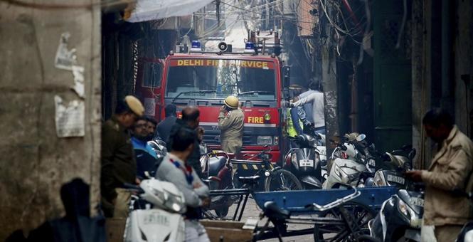 印度总理莫迪称新德里工厂火灾极恐怖遇难者家属将获百万救济