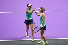 张帅/斯托瑟组合取WTA年终总决赛首胜