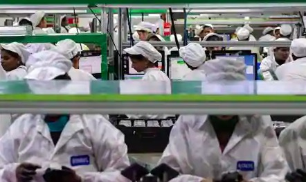 受疫情影响 智能手机制造商暂停印度的...