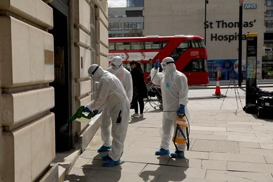 """约翰逊感染新冠病毒助推英国抗疫""""渐变"""""""