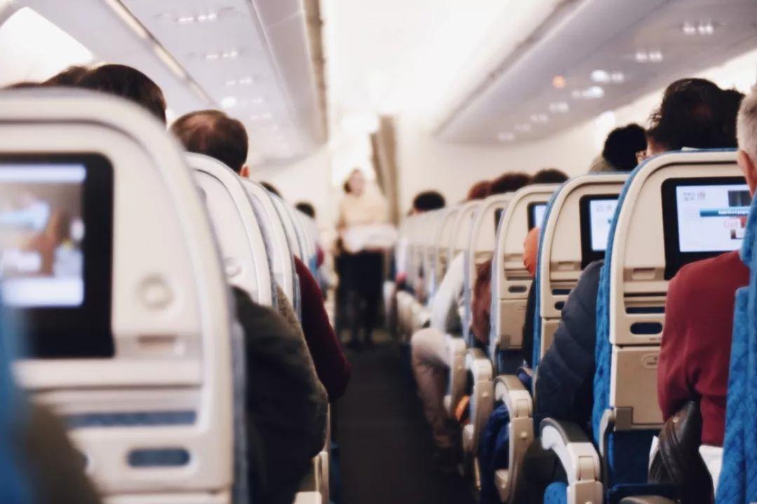 请后排乘客优先登机?物理学家表示事情并不简单