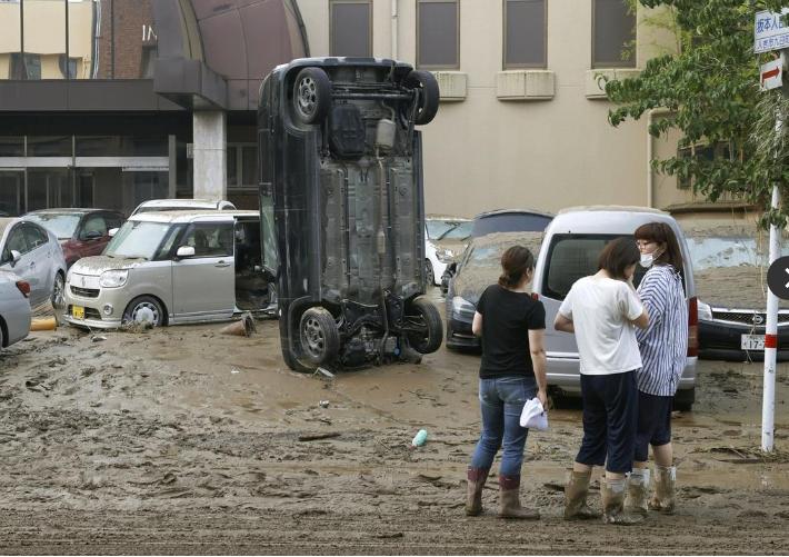 欧博会员开户:直击日本暴雨:52人殒命,140万人被要求逃亡,15座桥被冲垮 第3张