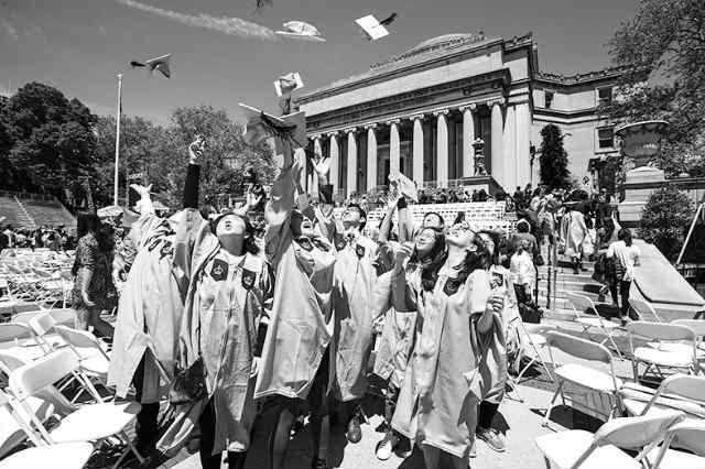 美驱逐3000中国学生引争议