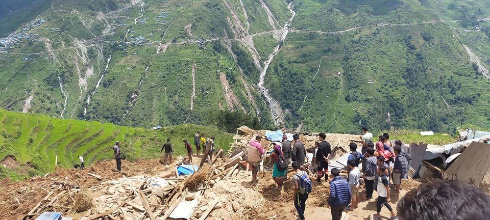 ug环球网址:尼泊尔山体滑坡造成5人殒命 30余人失踪 第1张
