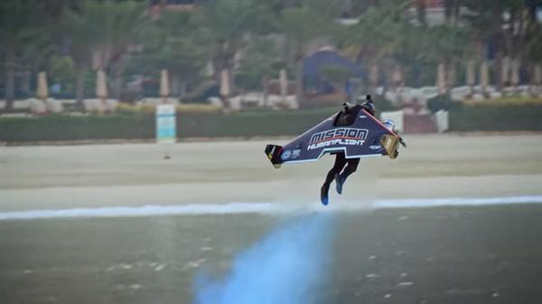 变身钢铁侠的飞行套件新进展:可以让人离地近2000米