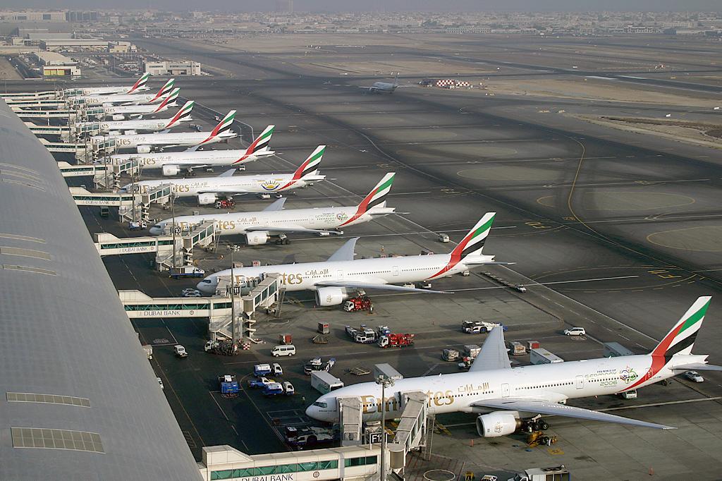 中東最大航空公司阿聯酋航空自25日起停飛全部旅客航班
