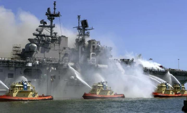 "allbetgaming电脑版下载:美国""准航母""起火时灭火系统没开 仅靠泼水救火"