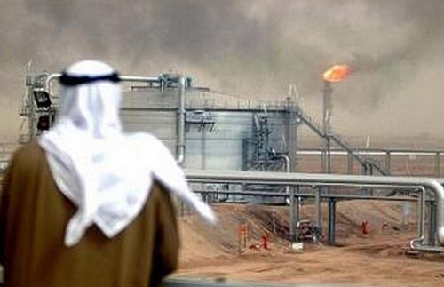 沙特两处石油设施遭无人机袭击起火