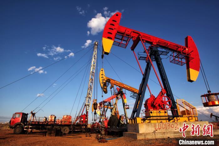 亿吨级油田陆梁油田累产原油突破3000万吨