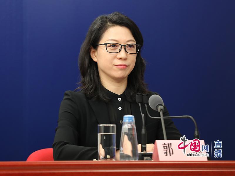 北京市疾控中心:与孩子身高相匹配的课桌椅可预防近视