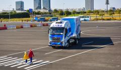 上海:5G+自动驾驶重卡在洋山港投入运营