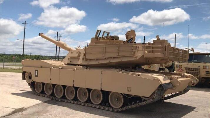美军接装首批M1A2C型主战坦克部分升级细节曝光