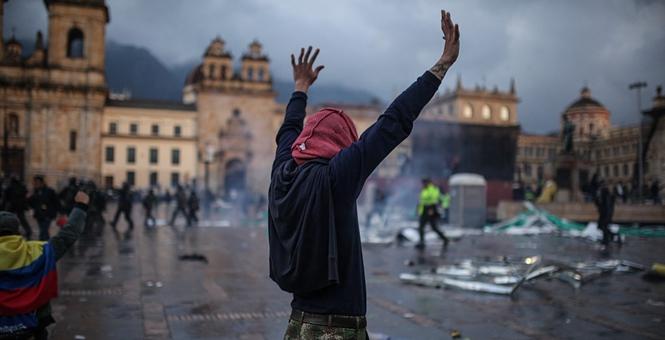 逮捕36名暴力分子!哥伦比亚多地爆发抗议游行已致数十人受伤