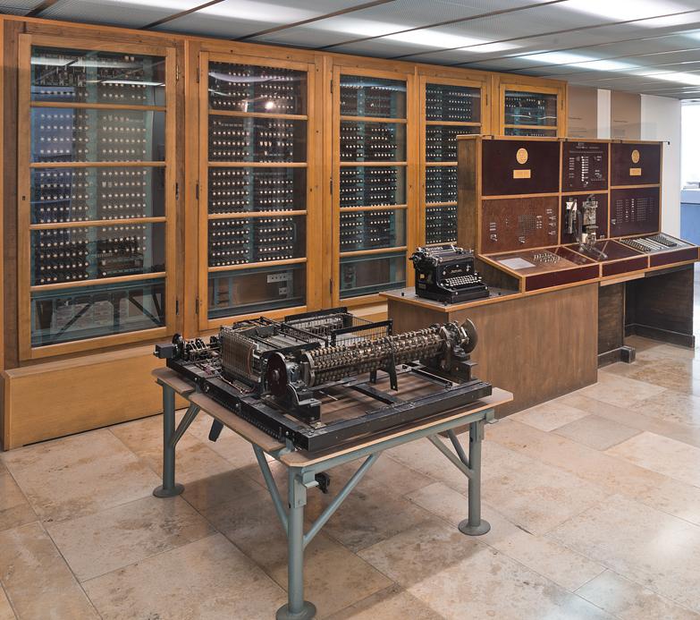 外媒:世界上最古老数字计算机的操作手册被发现