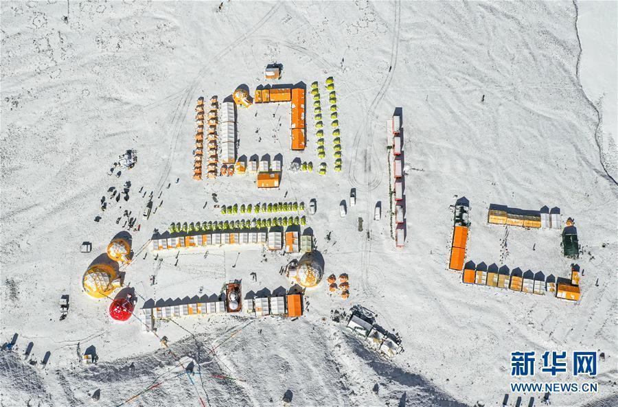 走进海拔5200米的珠峰大本营