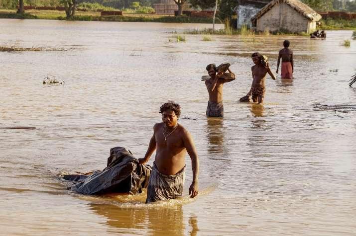 皇冠注册:印度奥里萨邦洪水致至少9人殒命41万人受灾 第3张
