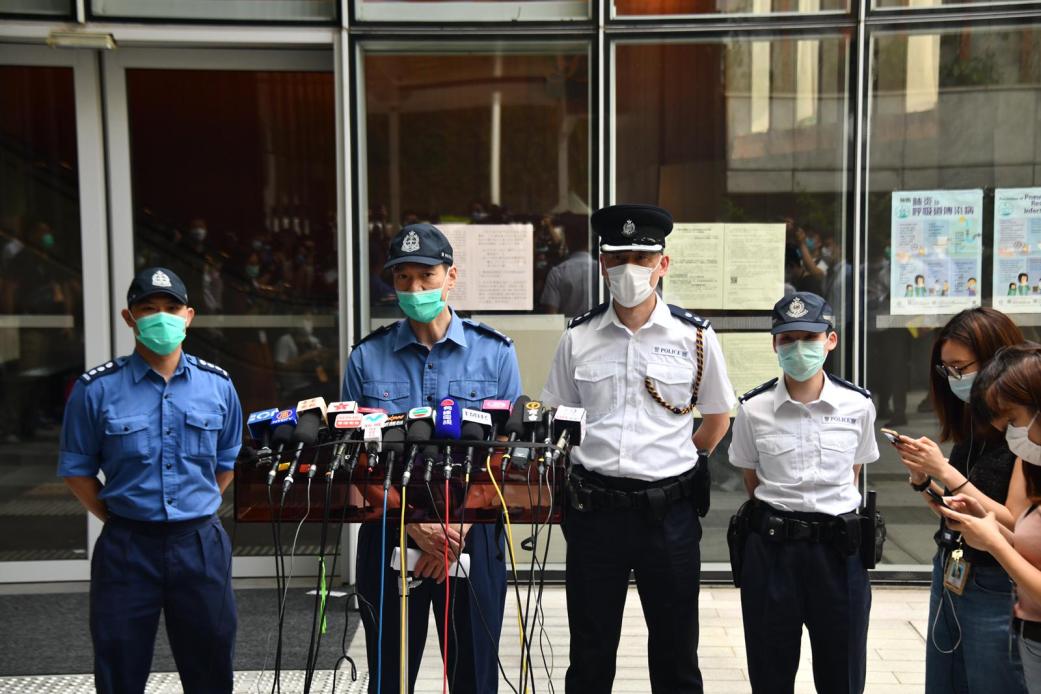 《国歌条例草案》审议期间有反对派议员泼洒恶臭液体,港警:不排除会有拘捕行动
