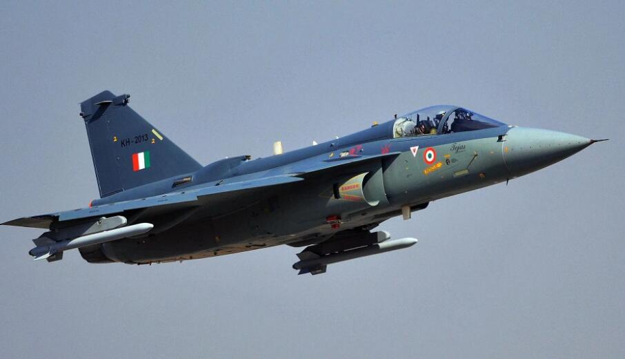 印度空军组建第二支LCA光辉战机中队具备完全作战能力