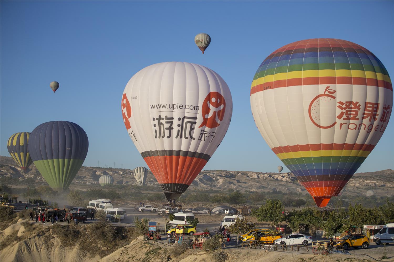 卡帕多西亚:与热气球相伴的浪漫晨光